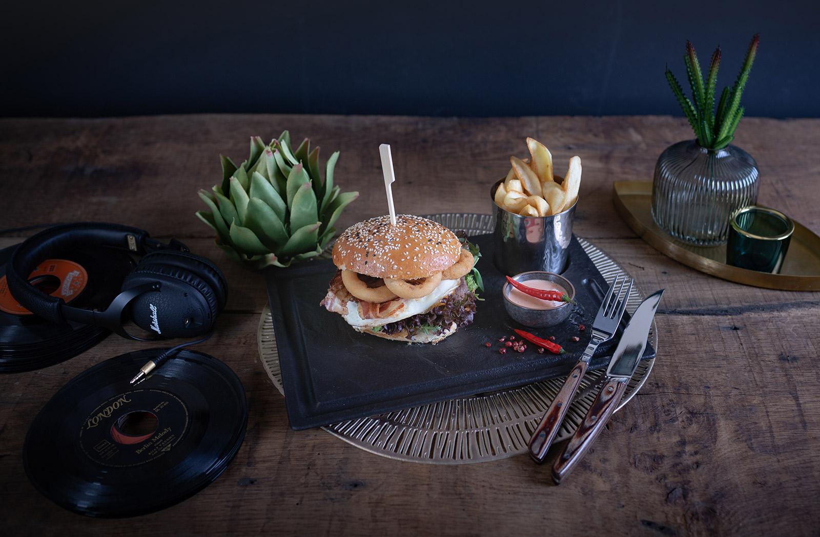 broooklyn-burger-anti-form